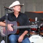 Concert: Alan Jackson – Jamboree In The Hills '16